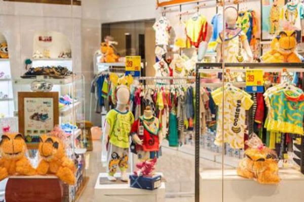 服装店怎么根据季节装修,根据季节装修店铺的方法