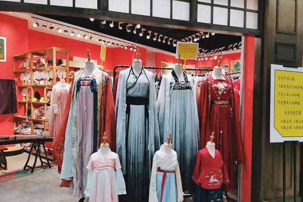女装店经营方法,两个店铺经营方法